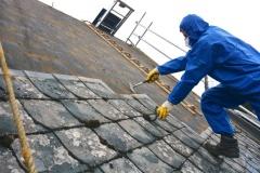 Asbest-Dachsanierung-Schutzanzug-1-03