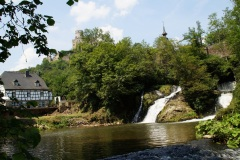 Pyrmonter_Muehle_mit_Wasserfall-k